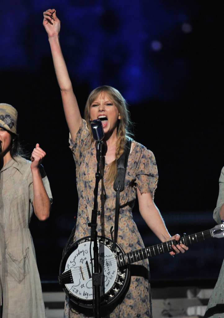 Taylor Swift performed at the Grammys.