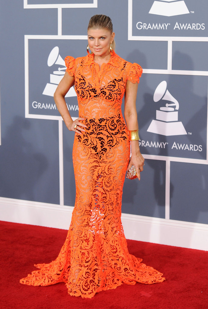 Fergie posed on the Grammys red carpet.