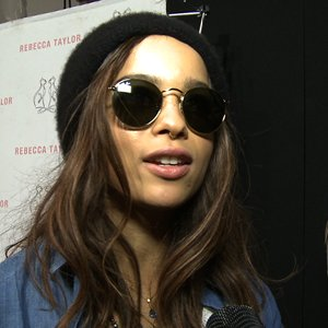 How to Dress Like Zoe Kravitz