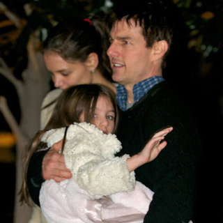 Suri Cruise Pictures With Tom Cruise and Katie Holmes