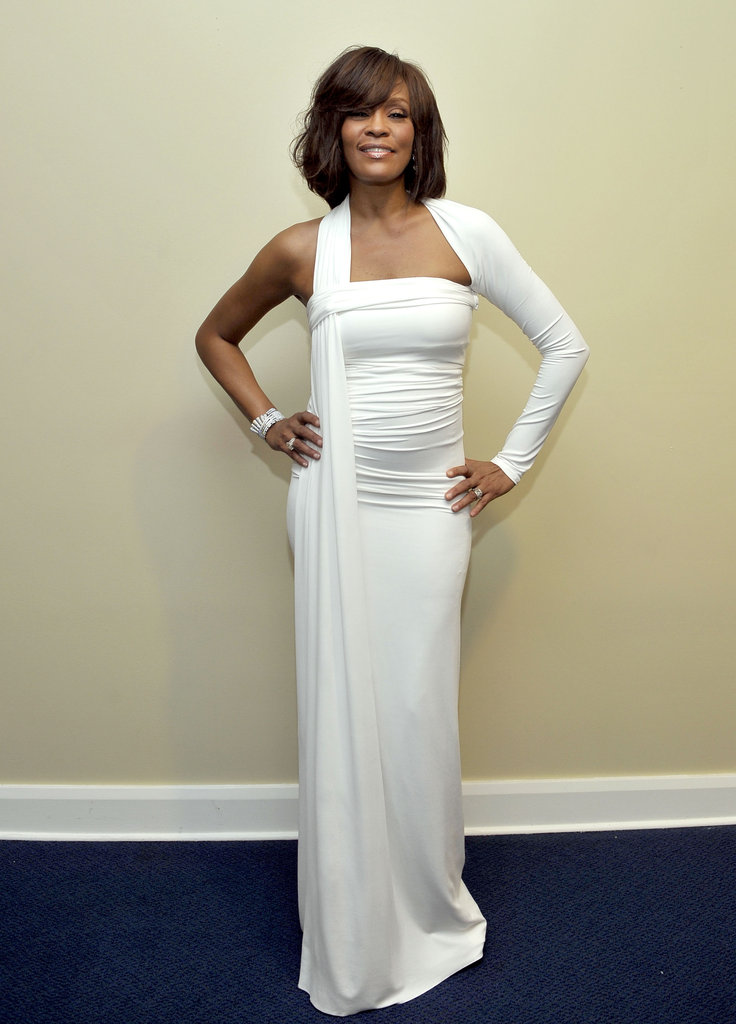 A vision in white at the American Music Awards in 2009.