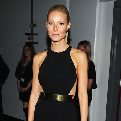 Gwyneth Paltrow Black Dress Pictures at 2012 Grammys