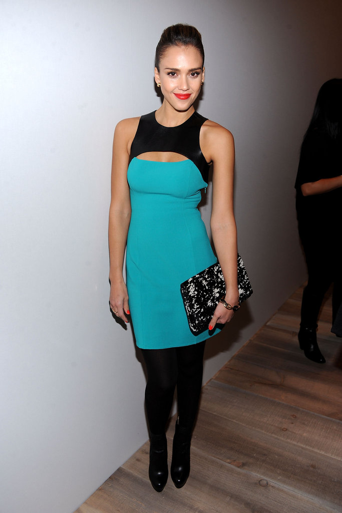 Jessica looked great in a turquoise and black minidress.