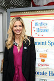 Sarah Michelle Gellar showed her support for military moms.
