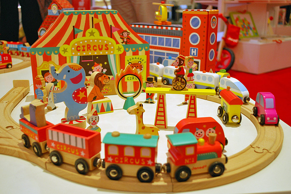 Janod Circus Train Set