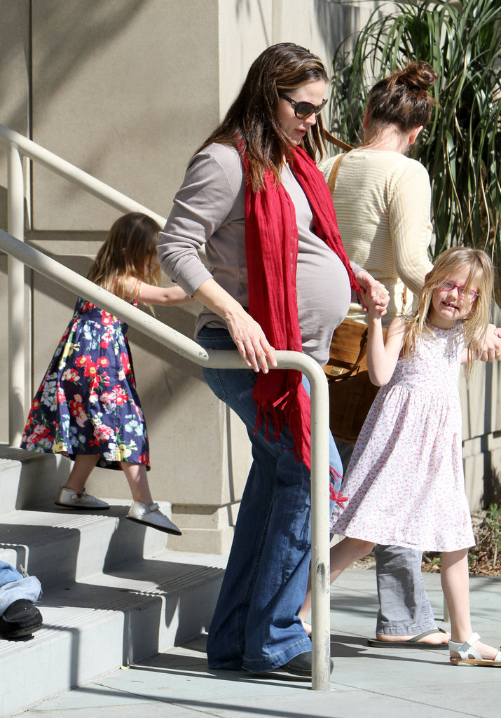 Jennifer Garner, Seraphina Affleck, and Violet Affleck leaving the library.