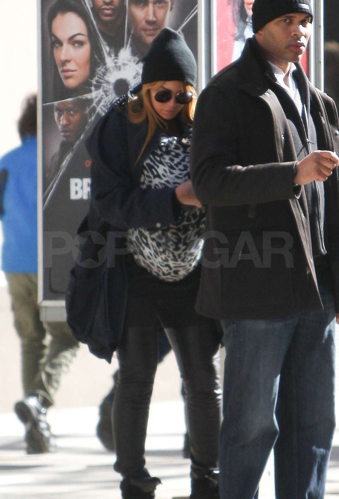 Beyoncé Knowles bundled up with Blue Ivy Carter.