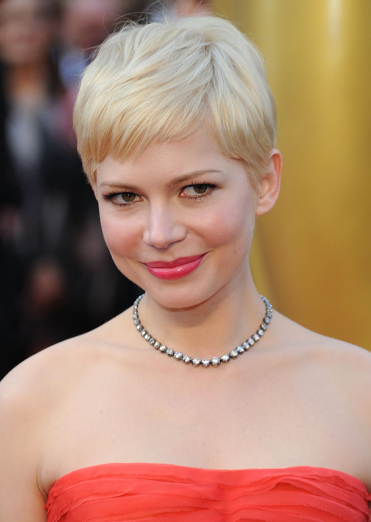 Michelle Williams Picks Louis Vuitton For Her Big Oscars Night!