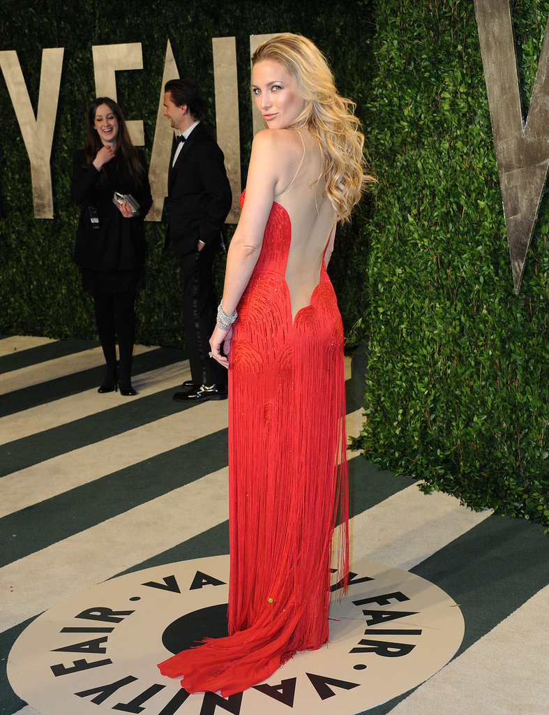 Check out the sexy sheer back detailing on Kate Hudson's vintage Versace gown.