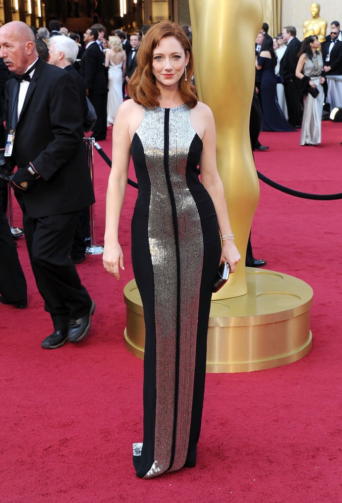Judy Greer highlighted her figure in a body-con metallic Monique Lhuillier gown.