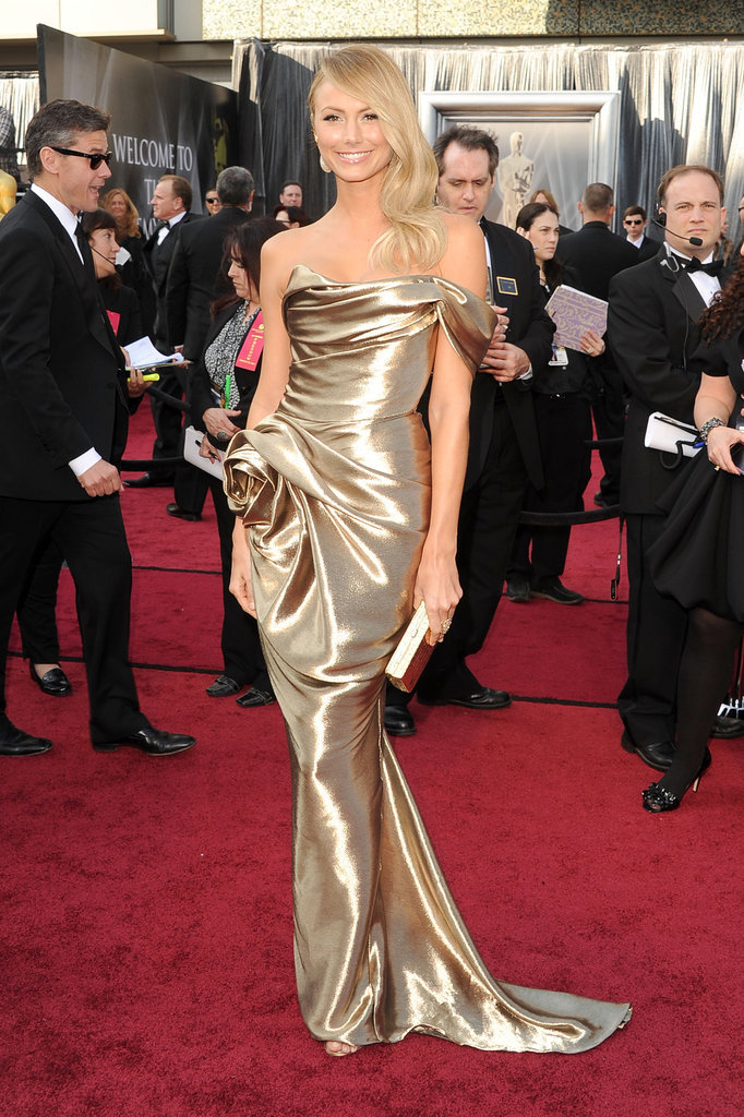Stacy Keibler emoted the perfect mix of sexy elegance in a liquid gold Marchesa gown.