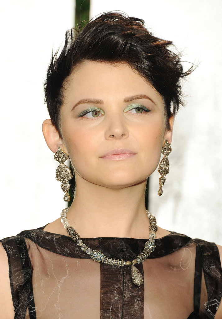 Ginnifer Goodwin's gold chandelier earrings have an ultra-decadent feel.  4801652