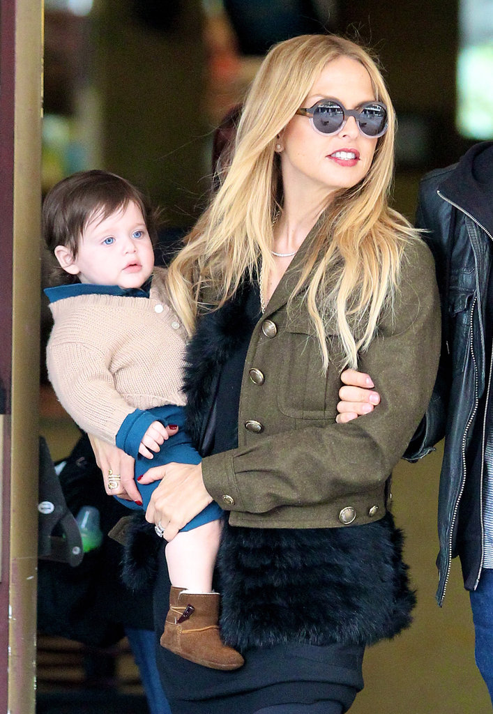 Rachel Zoe carried Skyler Berman on her hip.