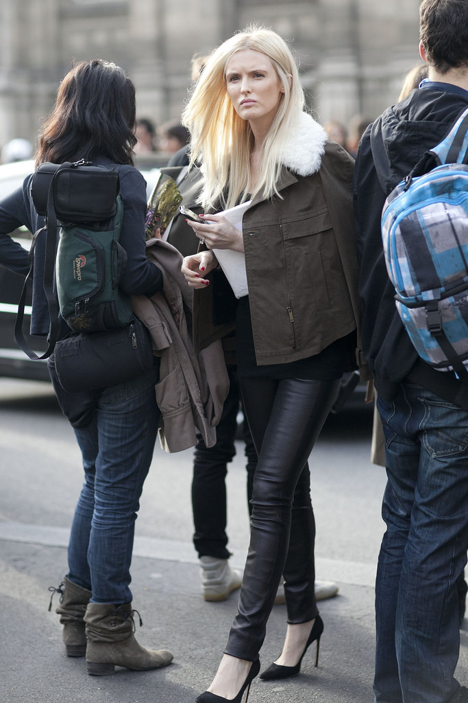 She nails effortless-cool — and we need that shearling jacket.