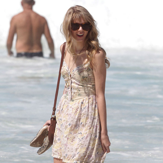 Taylor Swift Pictures at Bondi Beach, Sydney with Brother Austin