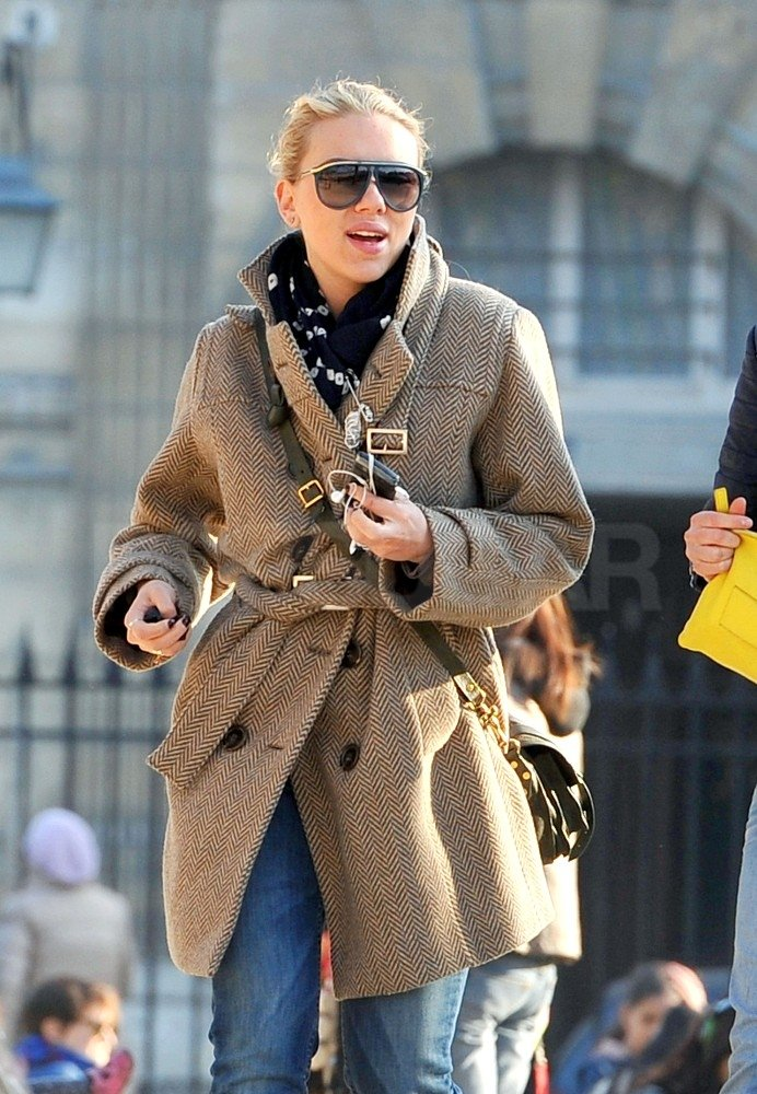 Scarlett Johansson strolled the streets of Paris.
