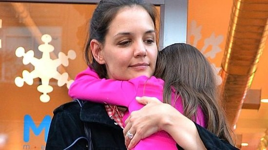 Video: Suri Seeks Comfort in Katie Holmes During Girls' Day Out