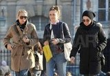 Scarlett Johansson and two female friends walked through Paris.