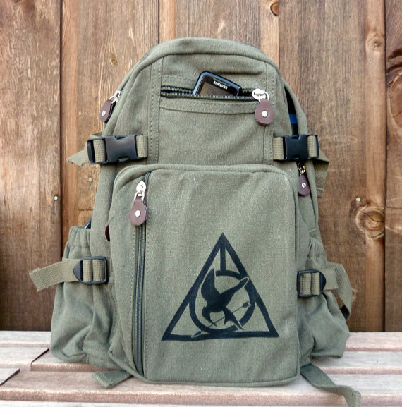 Harry Potter-Hunger Games laptop and gadget bag ($83)