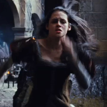 Kristen Stewart in Snow White and the Huntsman Video
