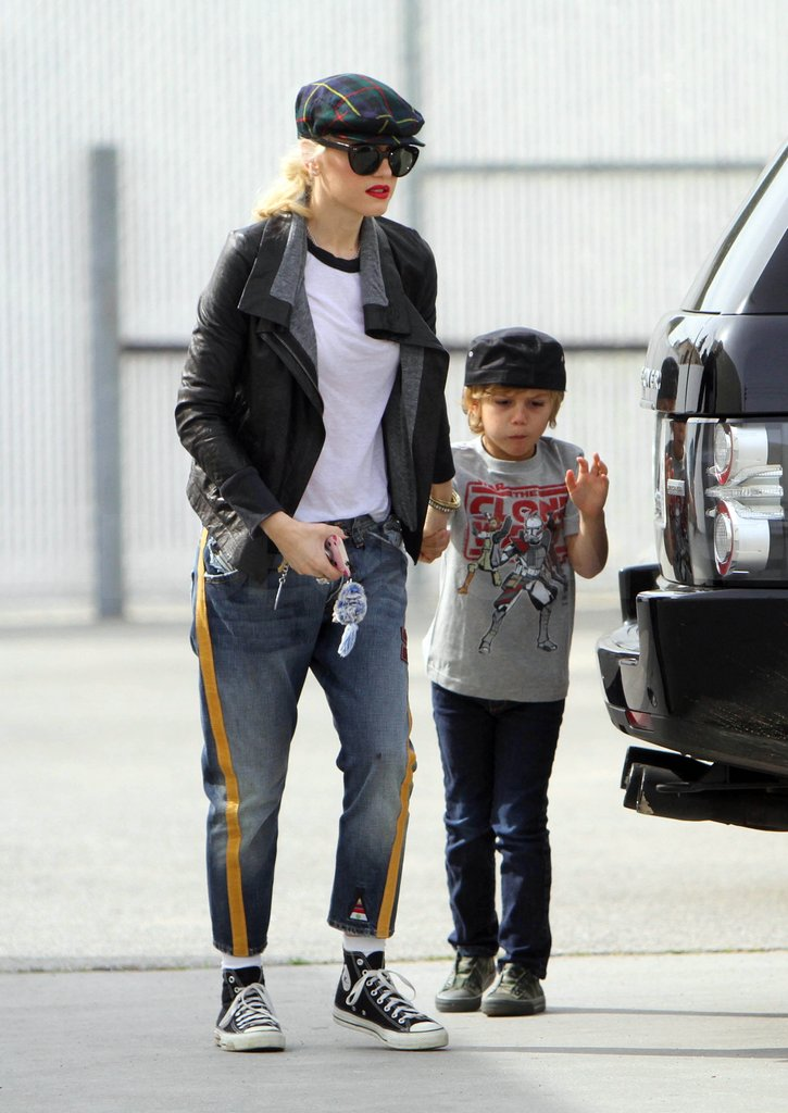 Gwen Stefani and Kingston Rossdale wore t-shirts, sneakers, and hats while heading to gym class in LA.