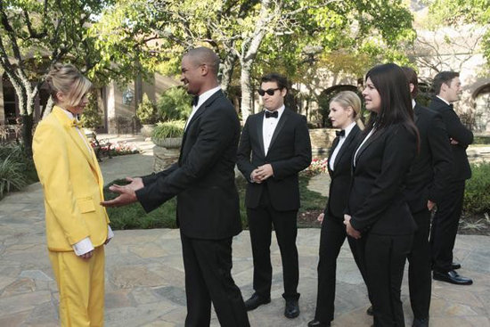 Eliza Coupe, Damon Wayans Jr., Adam Pally, Elisha Cuthbert, and Casey Wilson on Happy Endings. Photo copyright 2012 ABC, Inc.