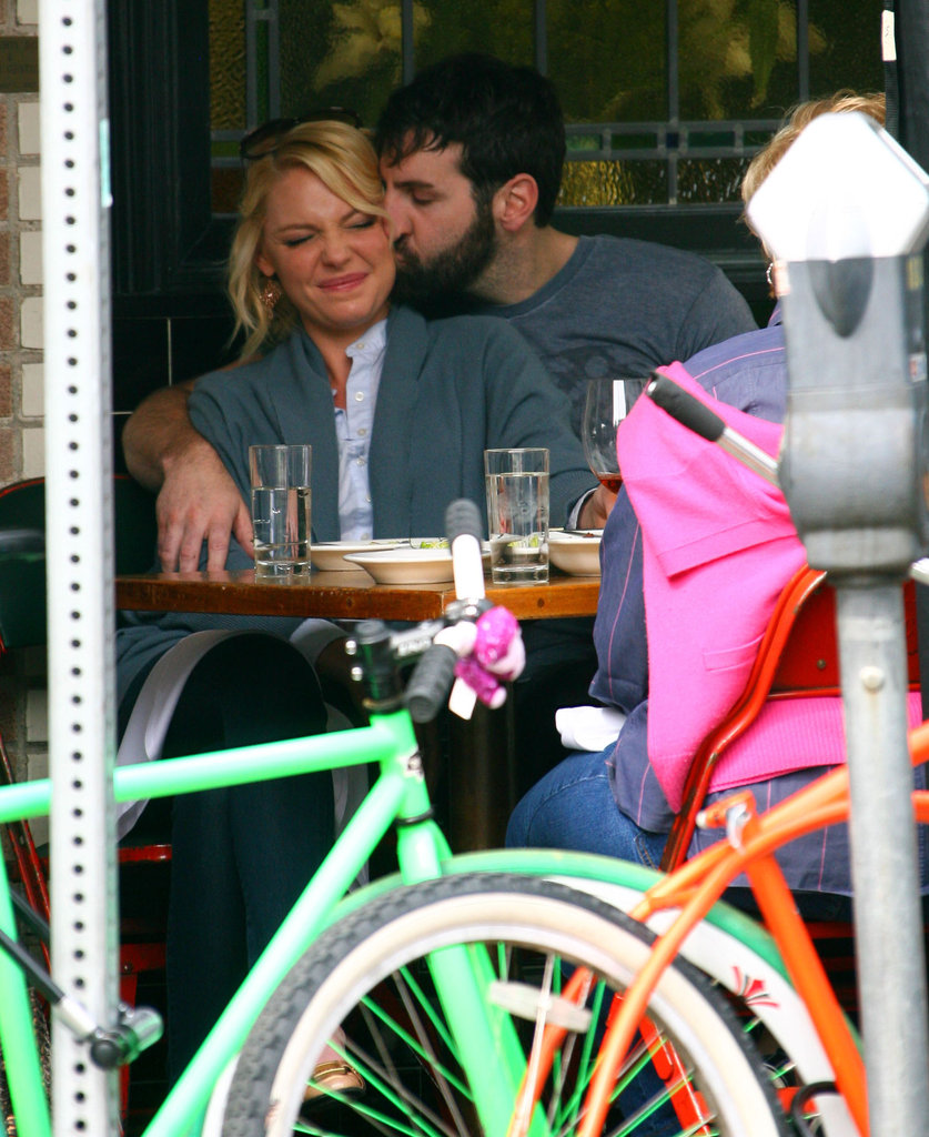 Katherine Heigl made a cute facial expression.