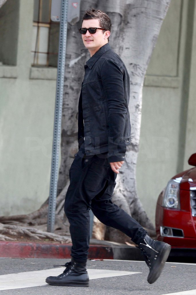 Orlando Bloom walked on the streets of LA.