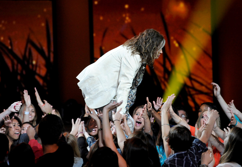 Steven Tyler greeted the crowd at American Idol's Season 11 live elimination show.