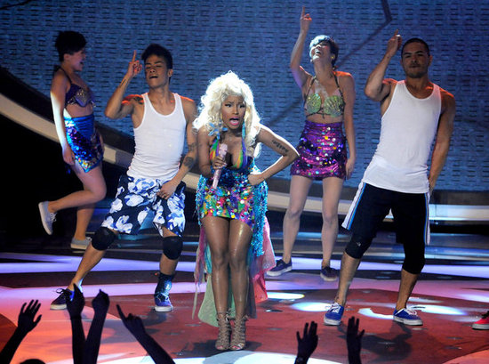 Nicki Minaj performed at American Idol's Season 11 live elimination show.