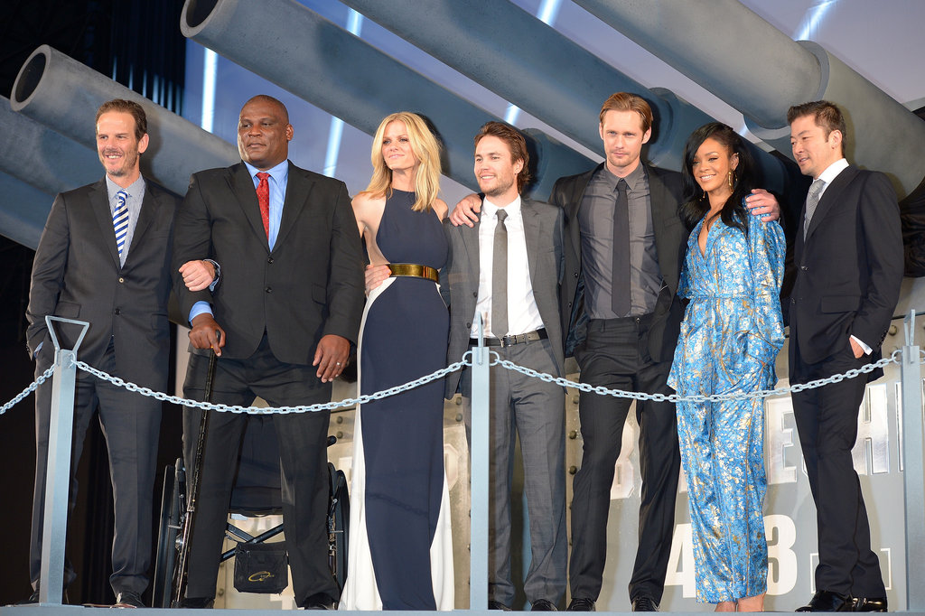 The Battleship cast snapped photos at the world premiere.