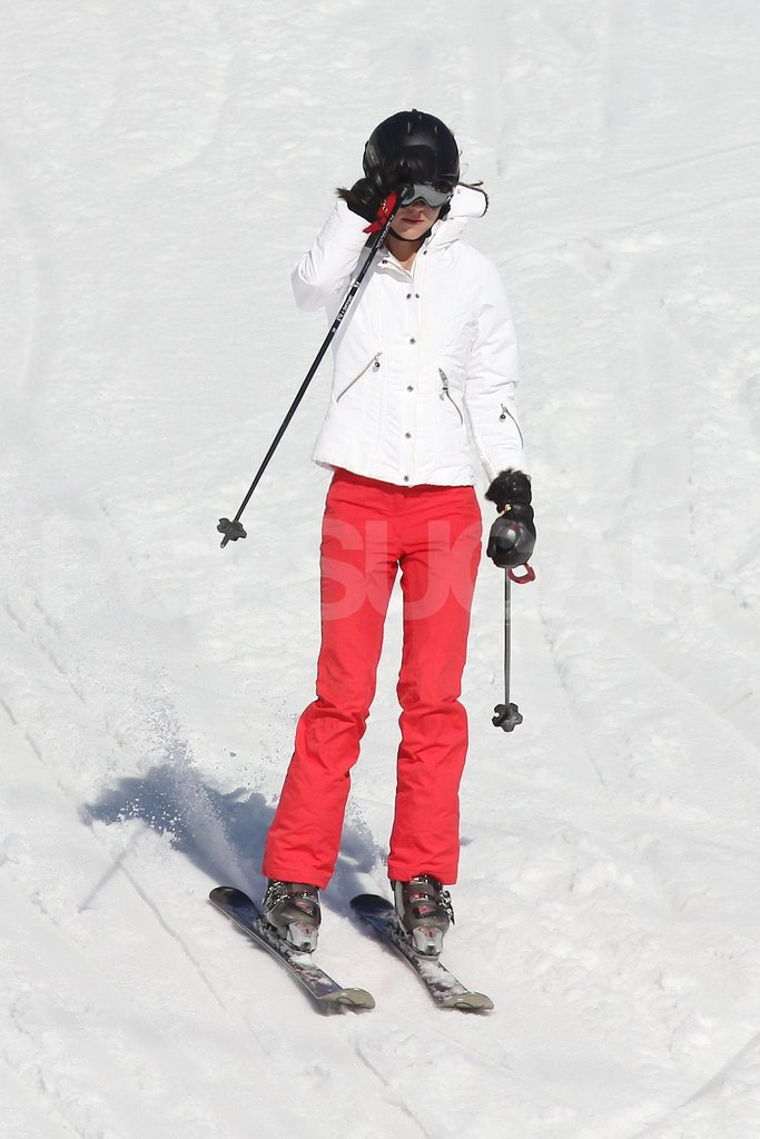 Kate Middleton adjusted her goggles while skiing down the mountain in France.