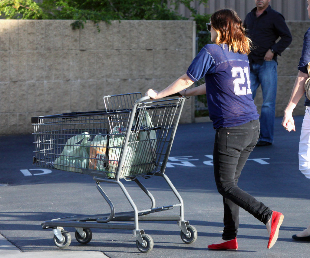 Drew Barrymore went food shopping.