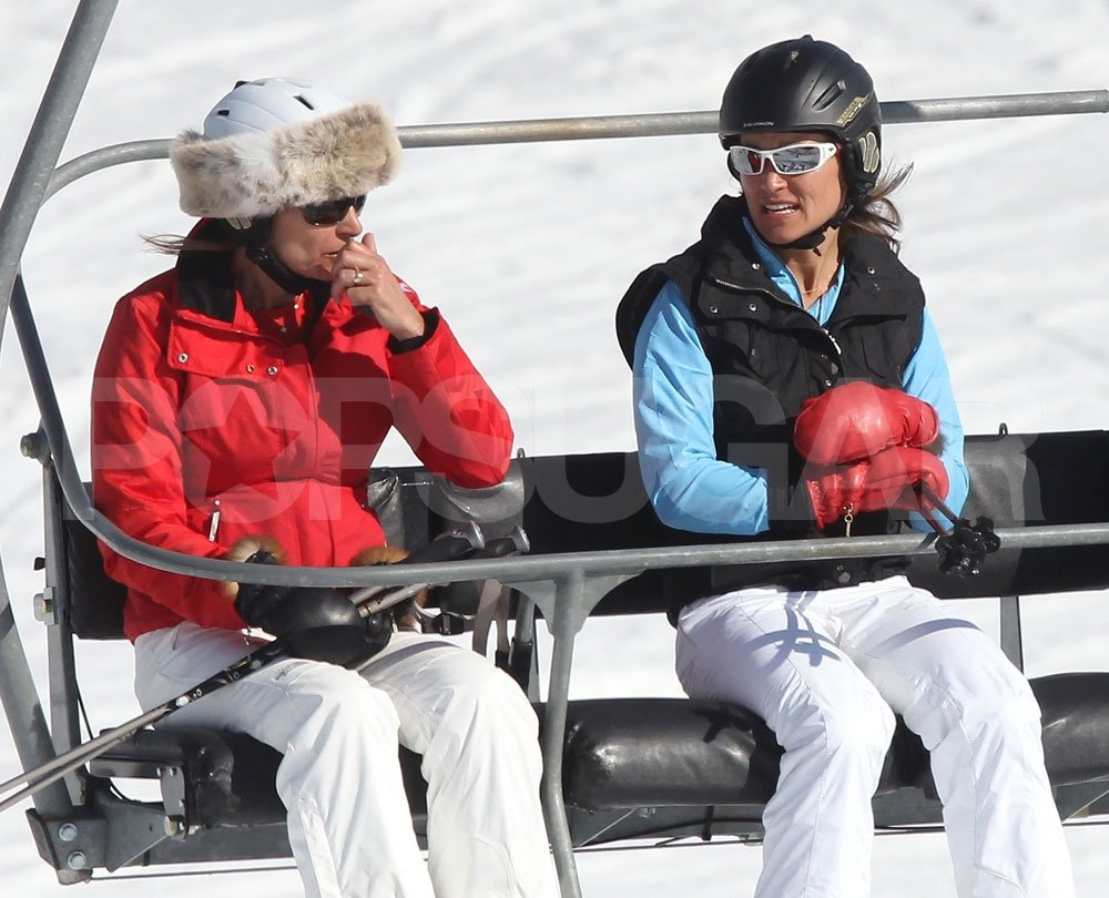 Carole Middleton chatted with daughter Pippa Middleton while riding up the lift on a ski vacation in France.