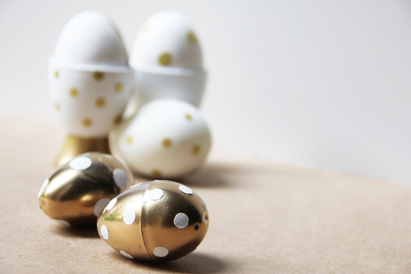 Go for the gold with this metallic polka-dot tutorial.