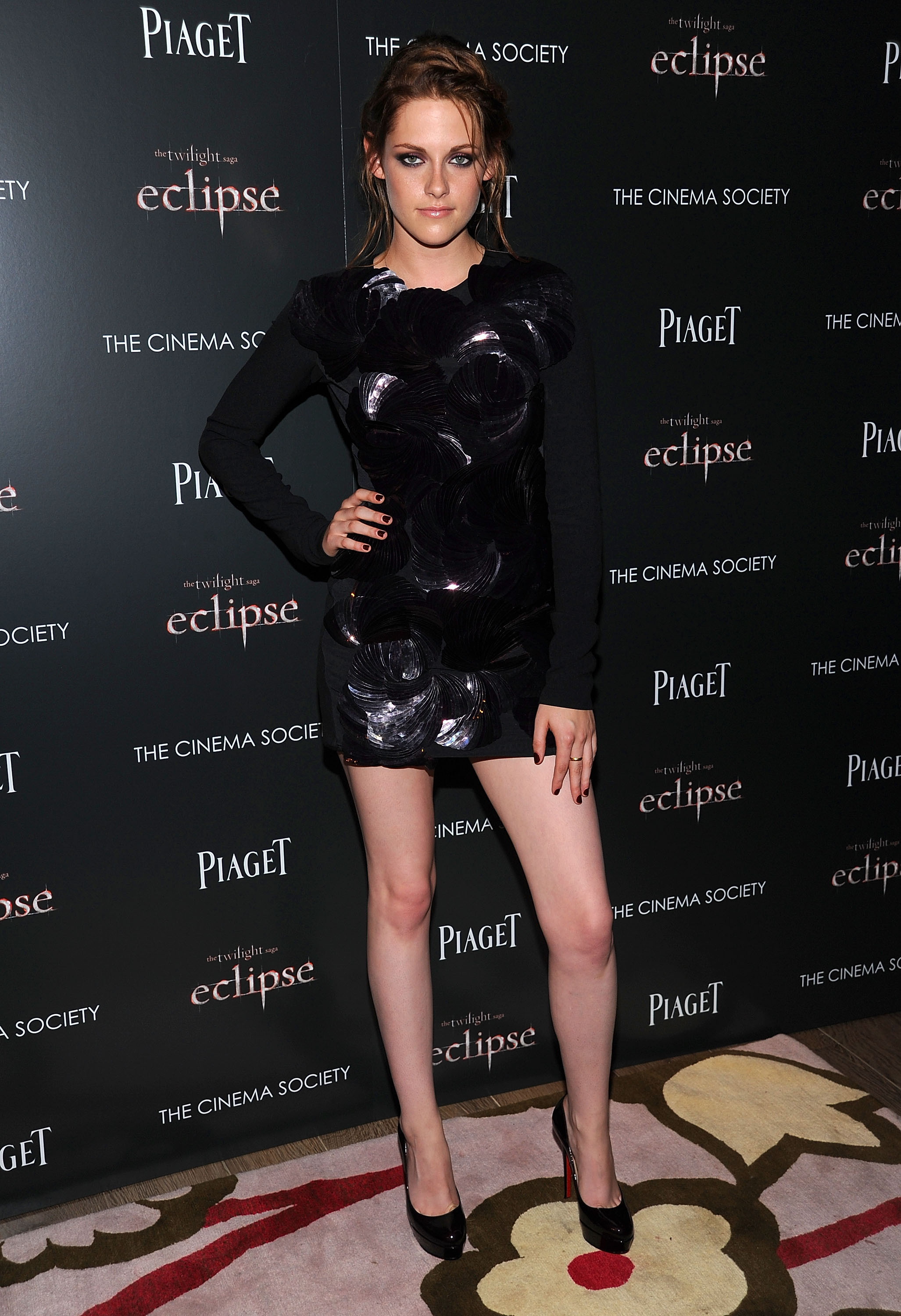 Kristen Stewart struck a sexy pose and debuted lighter hair at an early screening of Eclipse in June 2010 in NYC.