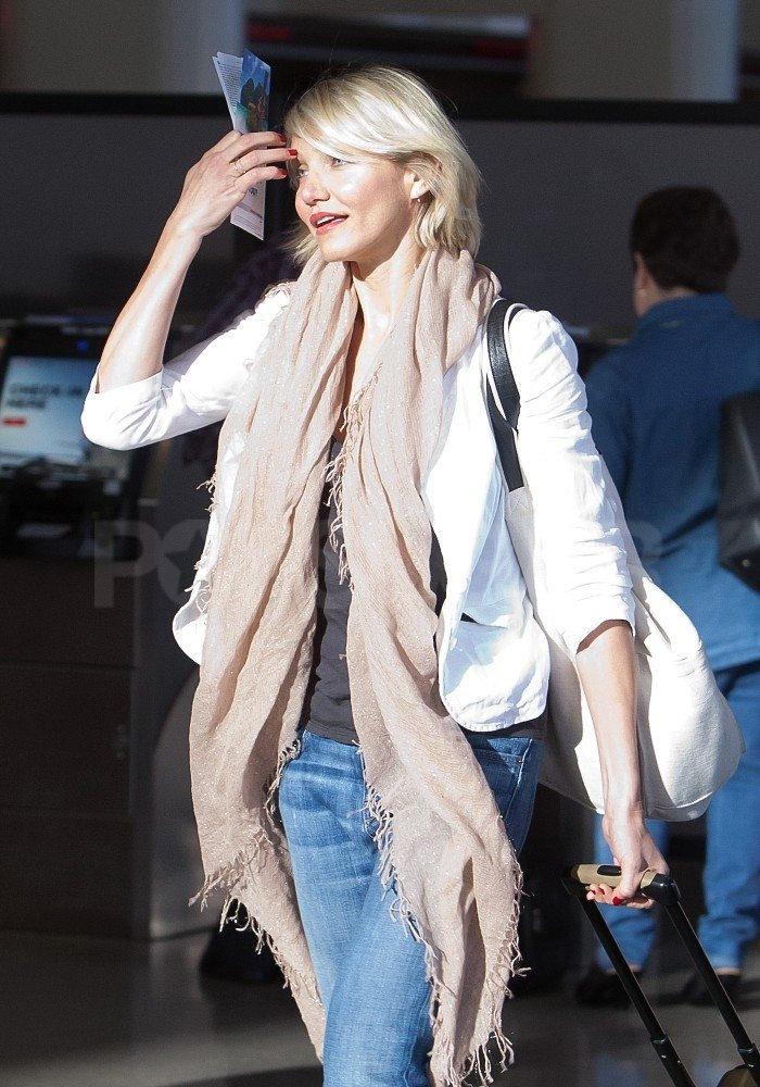Cameron Diaz Takes Off For a Hawaiian Vacation