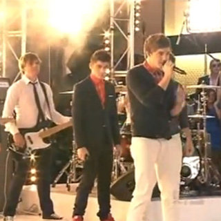 One Direction Performance of What Makes You Video at 2012 Logies