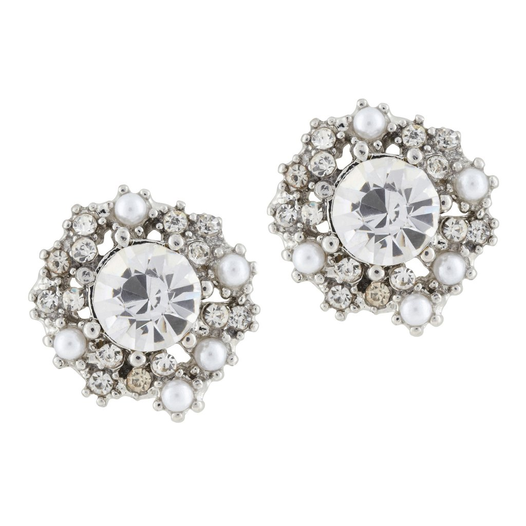 A way glamorous look, minus the way pricey tag.  Aldo Amparan Earrings ($15)