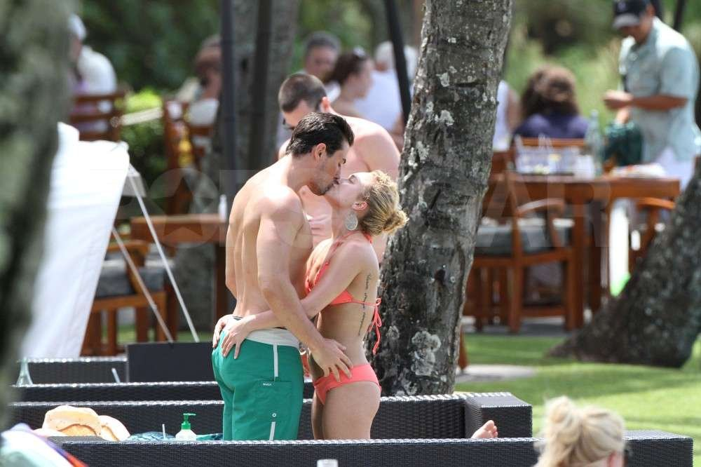 Hayden Panettiere showed her boyfriend, New York Jets wide receiver, Scotty McKnight, some love while wearing a bikini during a vacation in Hawaii.