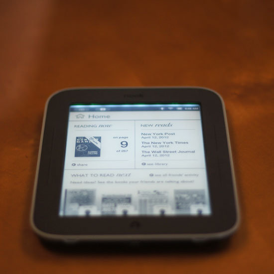 Barnes & Noble Introduces the Nook Simple Touch With Glowlight