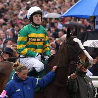 Two Horses Die at Grand National 2012