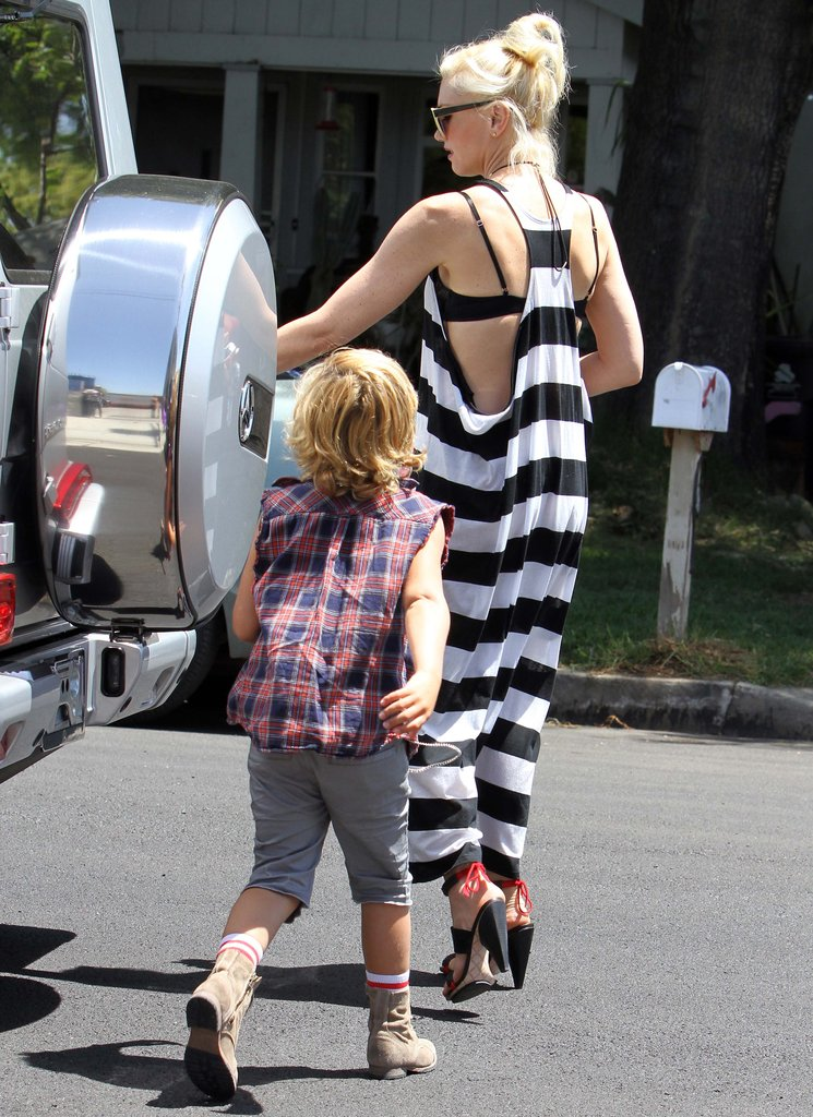 Gwen Stefani Shows Her Bra at a Birthday Bash With Kingston and Zuma