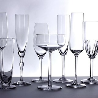 How to Select Glassware For Your Wedding Registry