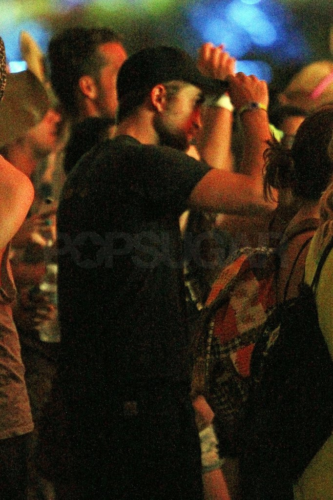 Robert Pattinson danced to some tunes at Coachella's second weekend with Kristen Stewart.
