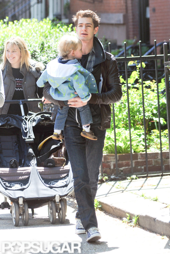 Andrew Garfield gave his friend's son a lift on the way to breakfast in NYC.