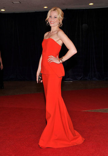 Elizabeth Banks posed on the red carpet at the White House Correspondant's Dinner.