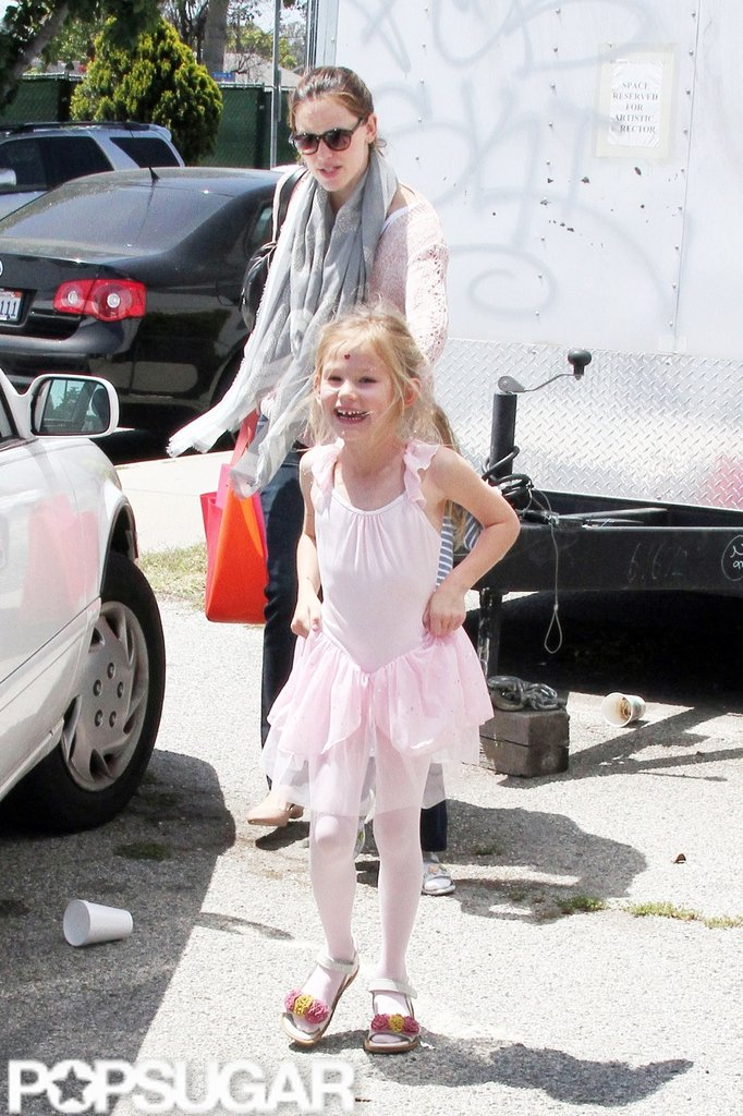 Jennifer Garner picked up a giggling Violet Affleck from ballet class in LA.