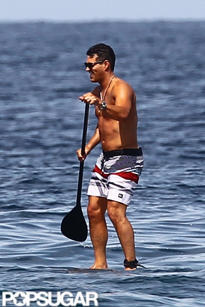 Shirtless Eddie Cibrian went paddleboarding.