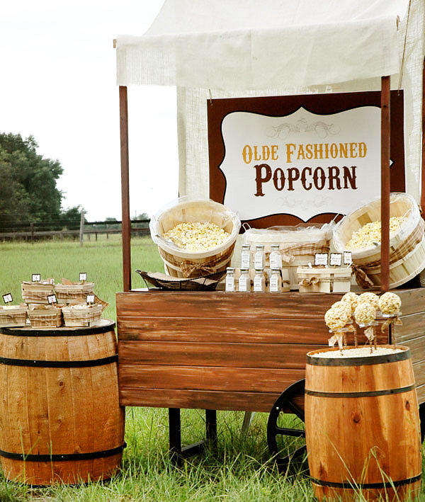 Old-Fashioned Popcorn Bar